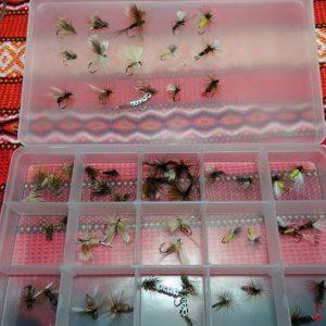 Кутия с 51бр. мухи
